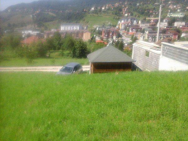 أرض سكنية للبيع فى فوغوشتشا مرخصة للبناء